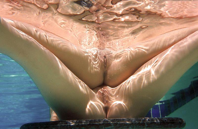фото в воде секса